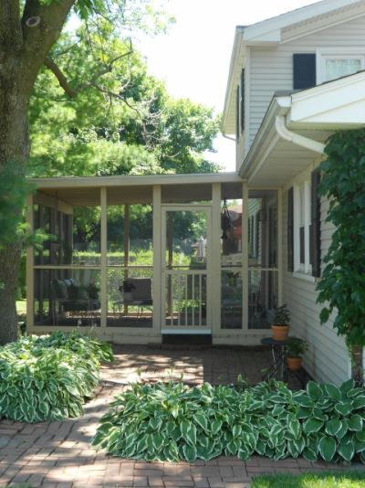 Screened-in Porch Remodelers in Bloomington IL